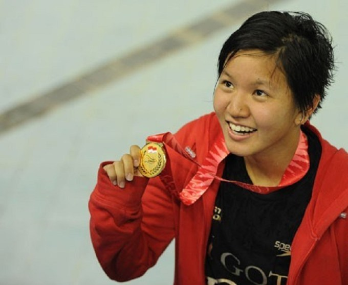 yessy yosaputra pernah mengharumkan nama indonesia sebagai atlet renang