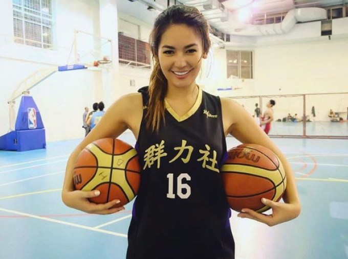 atlet cantik indonesia ini mewakili tanah air pada miss universe 2012