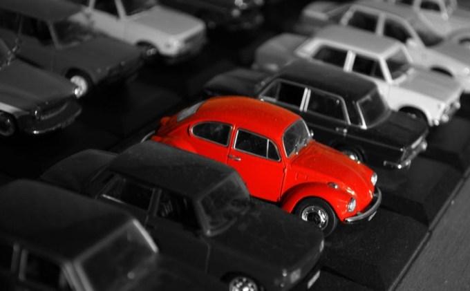 cara cepat parkir mobil di mall dengan benar