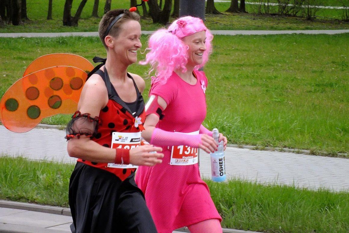 kolorowe uczestniczki doz maraton łódzki 2015