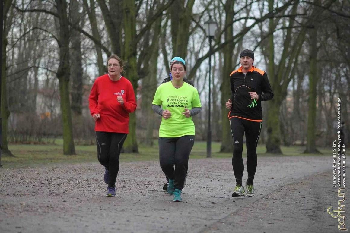 parkrun Łódź, Święta 2015 zawodnicy na trasie biegu