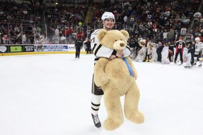 hershey-teddy-bear-toss-2019x - 13