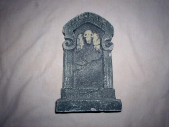 grave stone 560x420