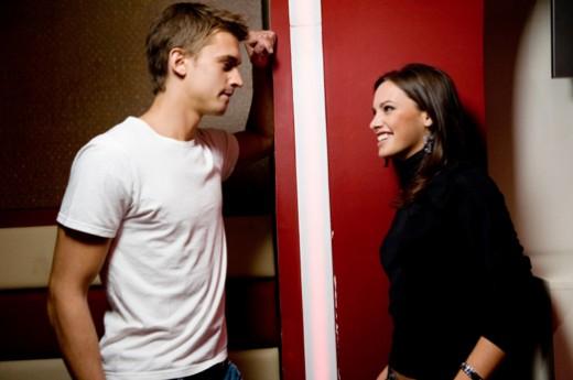 couple talking 520x345