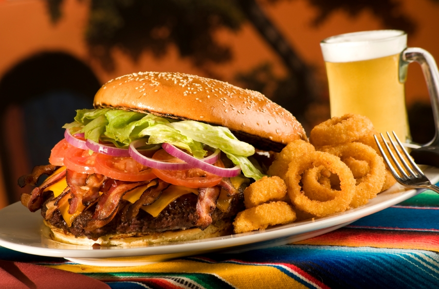 burger and beer 560x368