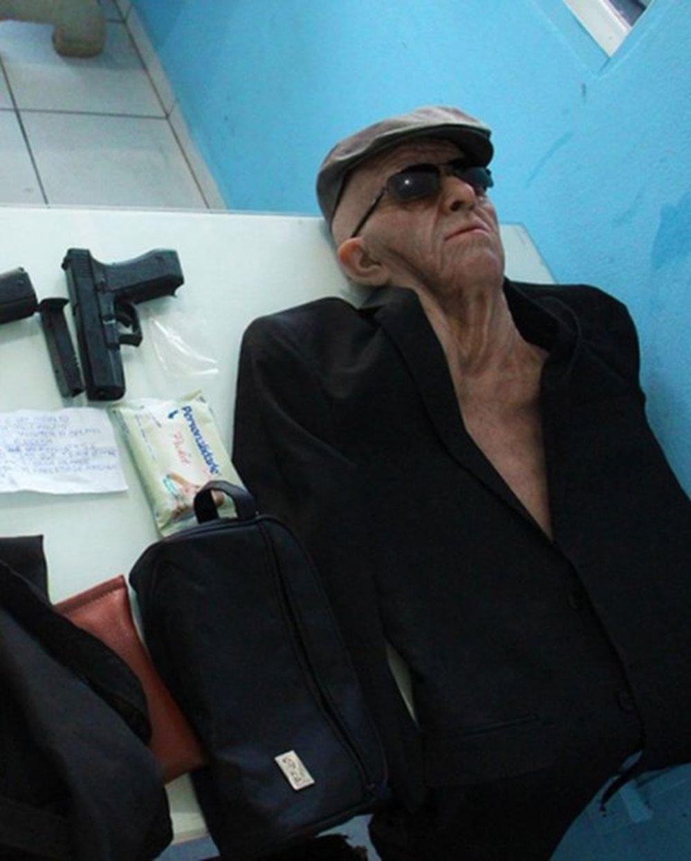 Brasil: intentó asaltar un banco disfrazado de anciano y con una pistola de juguete
