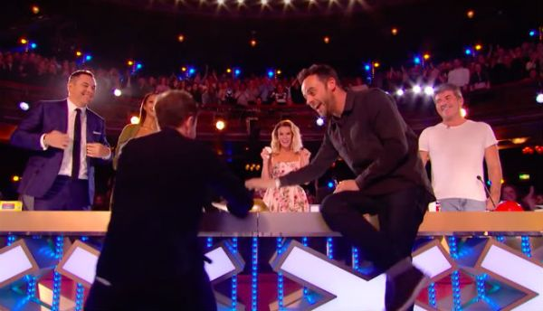 Tearful Ant and Dec press golden buzzer for magician on BGT
