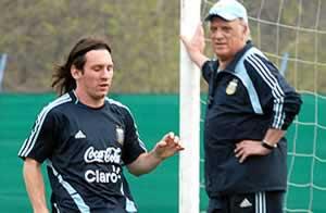 Messi y Basile - Télam