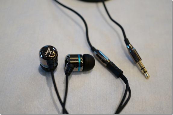 Avier 不鏽鋼金屬入耳式全音域耳機 DSC00789_thumb