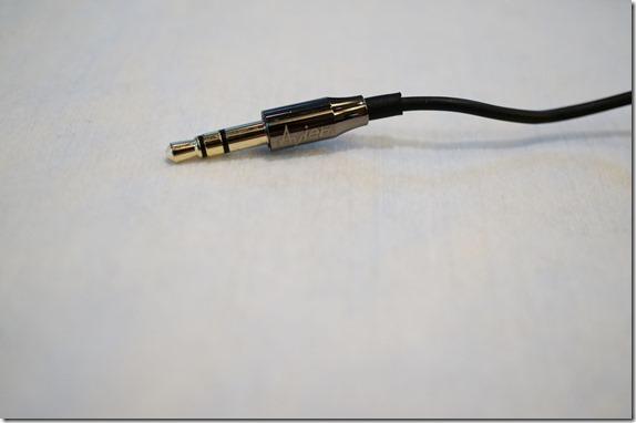 Avier 不鏽鋼金屬入耳式全音域耳機 DSC00795_thumb