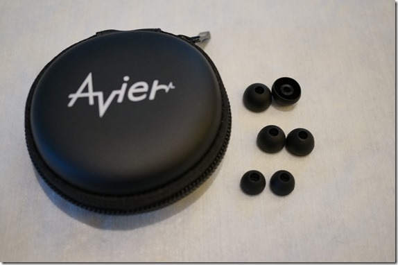 Avier 不鏽鋼金屬入耳式全音域耳機 DSC00802_thumb