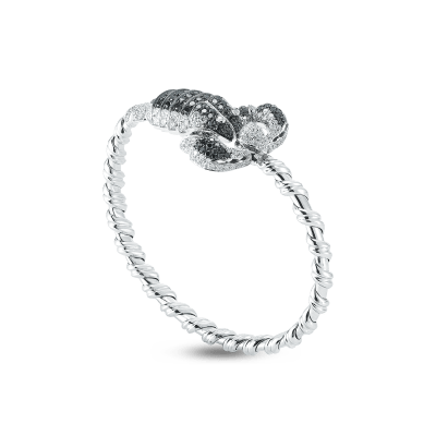 https://i1.wp.com/us.robertocoin.com/wp-content/uploads/2015/08/Roberto-Coin-Animalier-18K-White-Gold-Flexible-Scorpion-Bangle-with-Diamonds-206931AWBABD.png?resize=400%2C400&ssl=1
