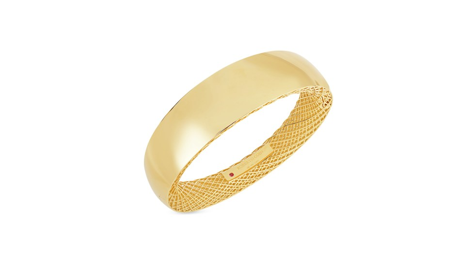 Roberto-Coin-Golden-Gate-18K-Yellow-Gold-Wide-Gold-Bangle-7771086AYBA0-RC-go-for-gold-blog-post-heavyweight-champion