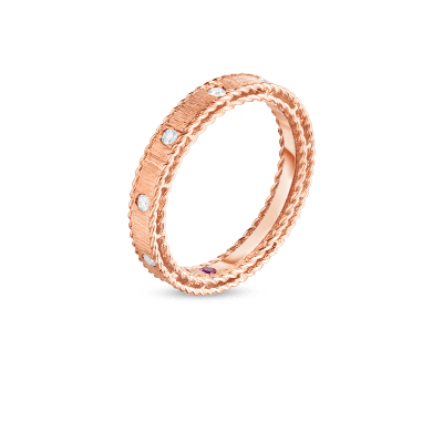 Product 18kt gold princess band with diamonds