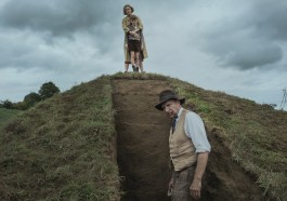 'The Dig' Review: Carey Mulligan and Ralph Fiennes Politely Challenge the Foundations of British History