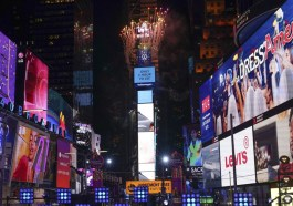 How to Watch Times Square New Year's Eve 2021 Free Online
