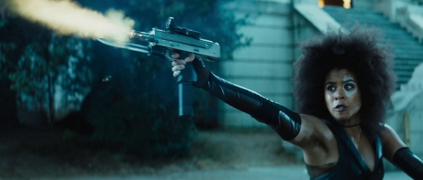 Domino Mac-10 in Deadpool 2