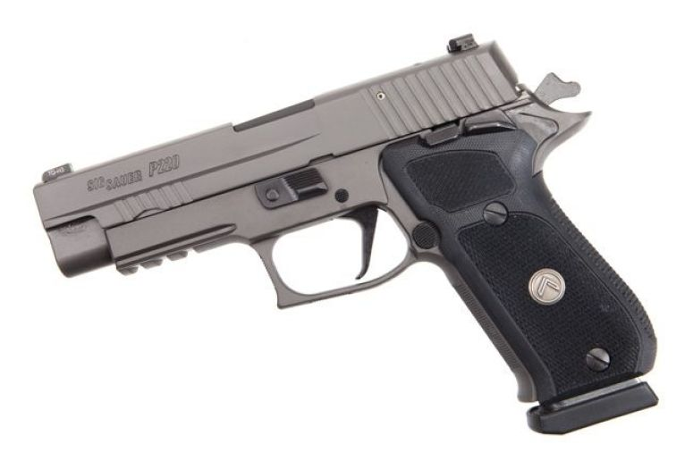 The legendary Sig P220 SAO Legion - As good as 45 ACP handguns get