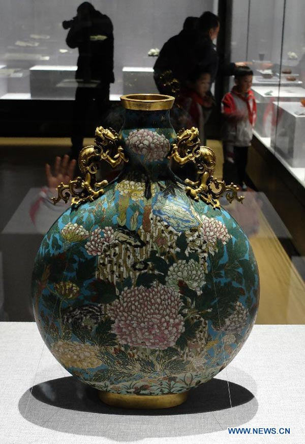 More than 100 relics from Yuanmingyuan displayed