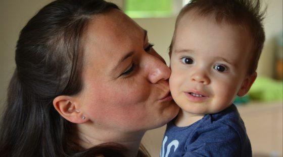 Мама 4-летнего мальчика объяснила, почему людям с герпесом ...