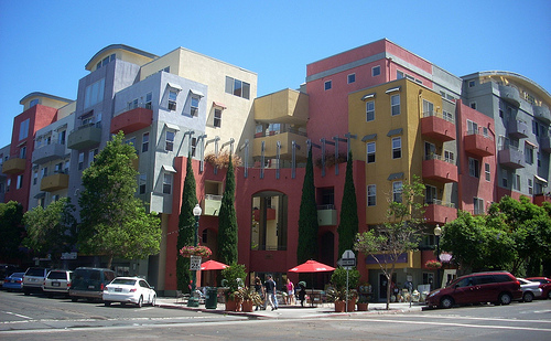 This San Diego condo development has ground floor retail to provide walkable services to the neighborhood. Photo by ##http://www.flickr.com/photos/hercwad/4366962841/##LA Wad##
