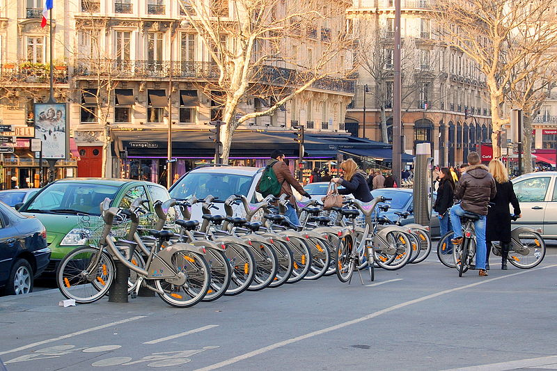Paris' Velib bike share could attract 29 percent more riders if a few key changes were made, researchers estimate. Photo: Wikipedia