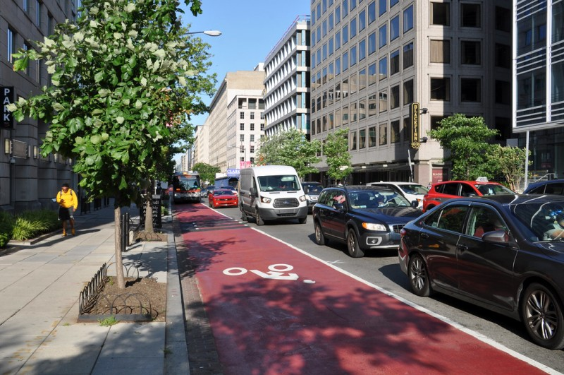 DC's Bus-Only Lane Passes Test, Expanding to Saturday