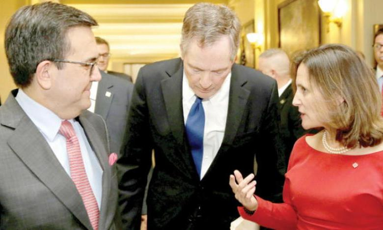 المفاوض التجاري الأمريكي يتوسط وزيرة الخارجية الكندية ووزير خارجية المكسيك