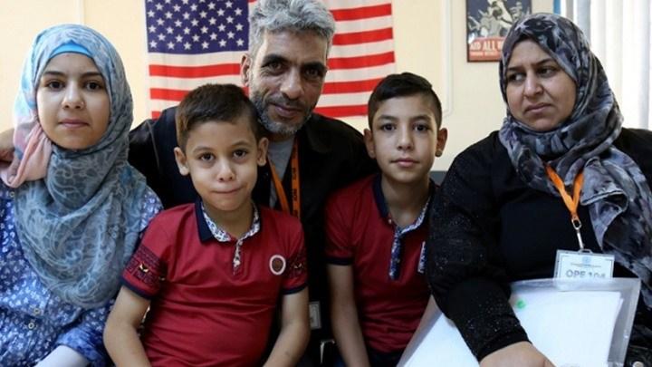 Photo of أمريكا تمدد فترة بقاء سوريين فارين من الحرب