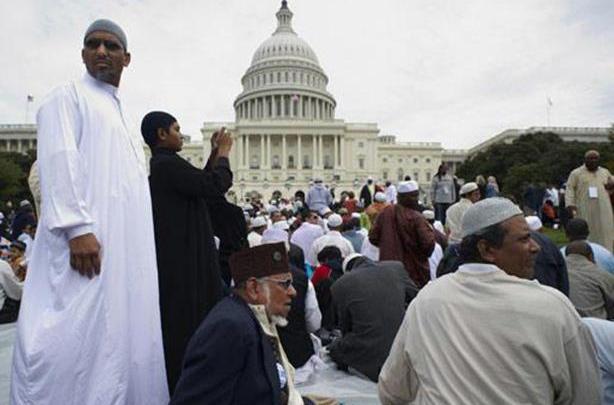Photo of 10 آلاف اعتداء ضد المسلمين في أمريكا .. وترامب ساهم في ارتفاع العدد