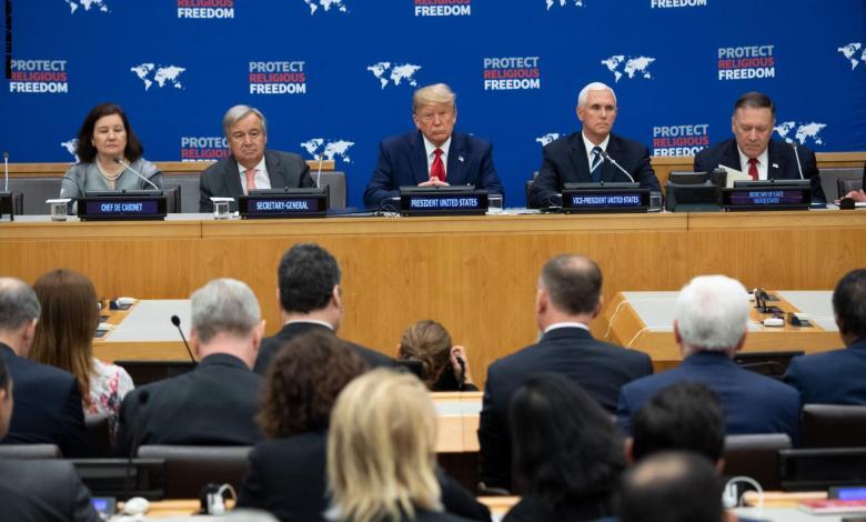 Photo of ترامب يدعو لوقف الاضطهاد الديني وإطلاق سراح سجناء الرأي في العالم