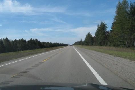 Nur noch 23 Meilen geradeaus bis zur nächsten Kurve- 1/3 ist schon geschafft!