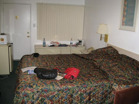Unser Motelzimmer. Gut, dass es keine Geruchbilder gibt.