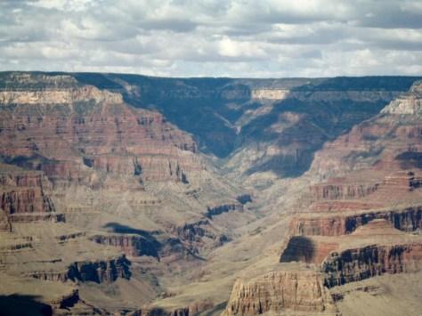 Grand Canyon: 450 km lang - 30 km breit und bis zu 1800 m tief