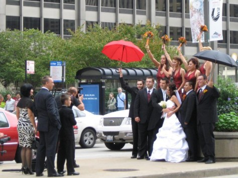 Hochzeitsfoto im Trubel