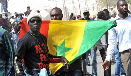 Senegal opposition marches against 85-year-old president Wade's 3rd term bid.