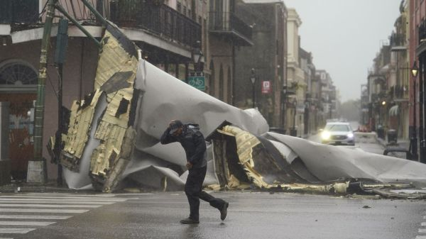 Hurricane Ida leaves 'catastrophic transmission damage', New Orleans without power