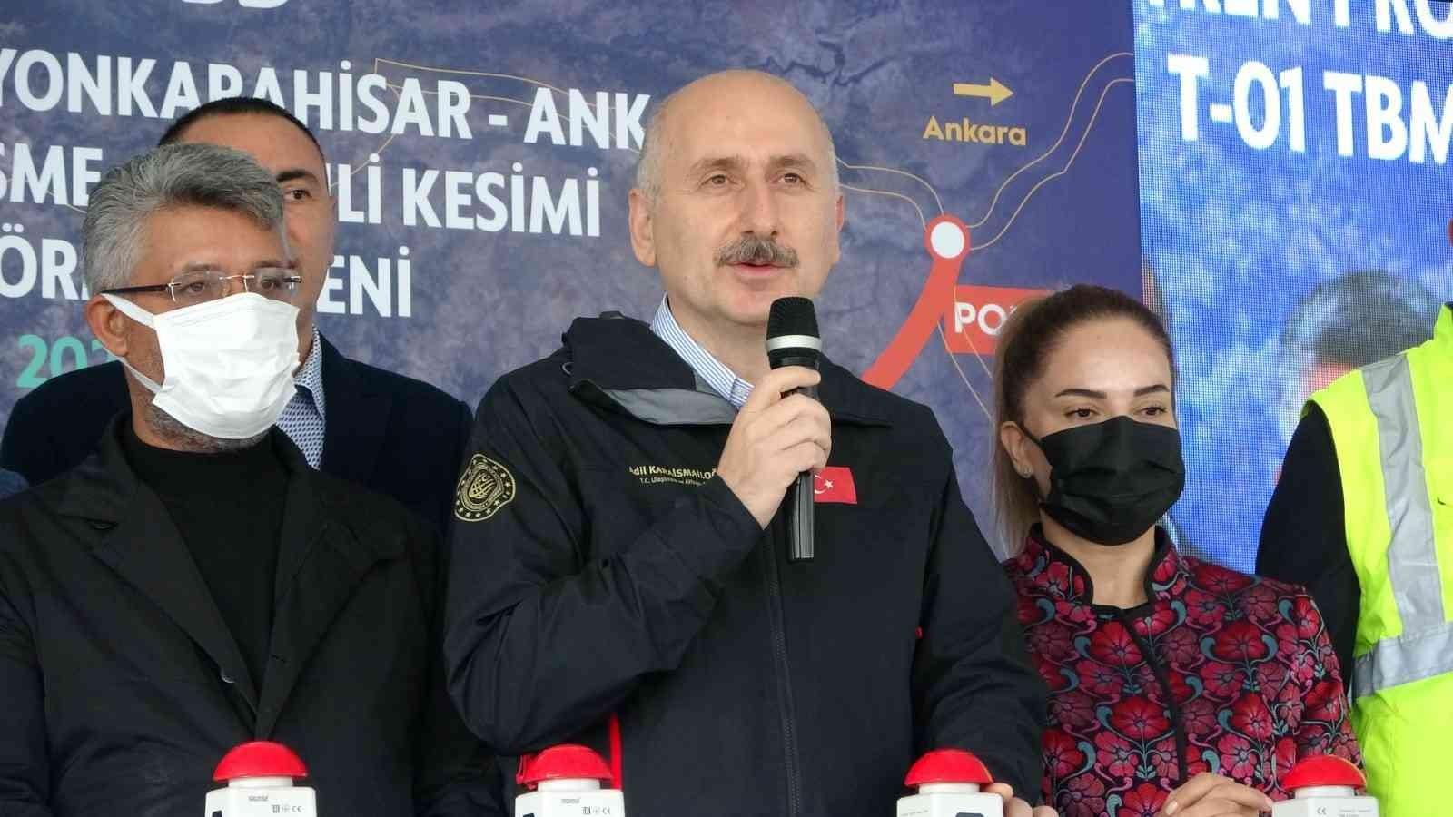 """Bakan Karaismailoğlu: """"2022 yılında millî elektrikli lokomotifin seri üretimine başlayacağız"""""""