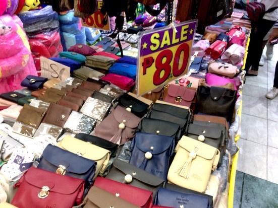 【フィリピン・マニラのディビソリア】行き方と治安は?実際にローカルショッピングをしてみた!