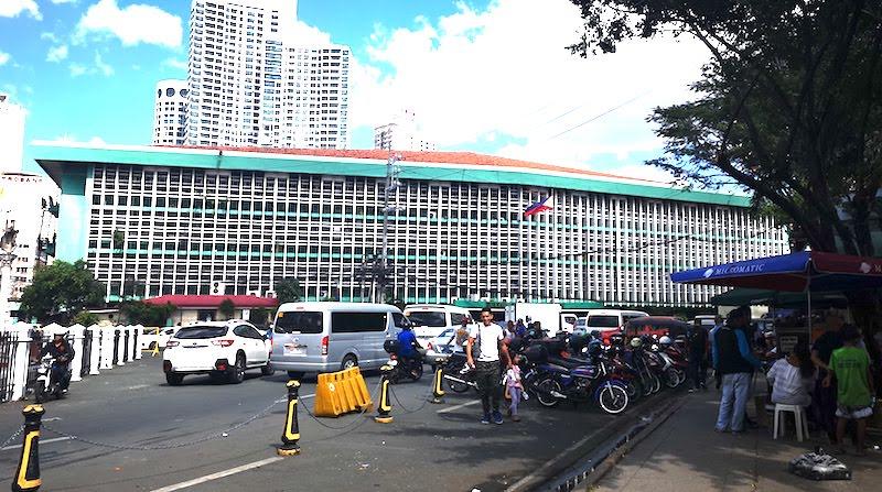 フィリピンの観光ビザの延長申請方法・イミグレーション外観