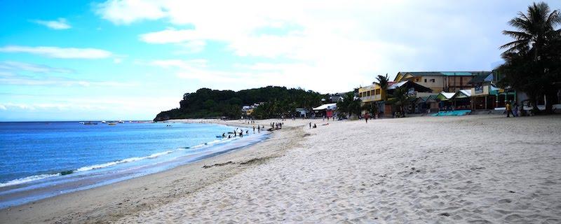 プエルトガレラのホワイトビーチの浜