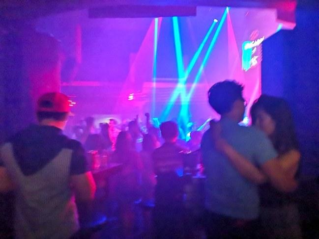 フィリピンマニラクバオのナイトクラブ