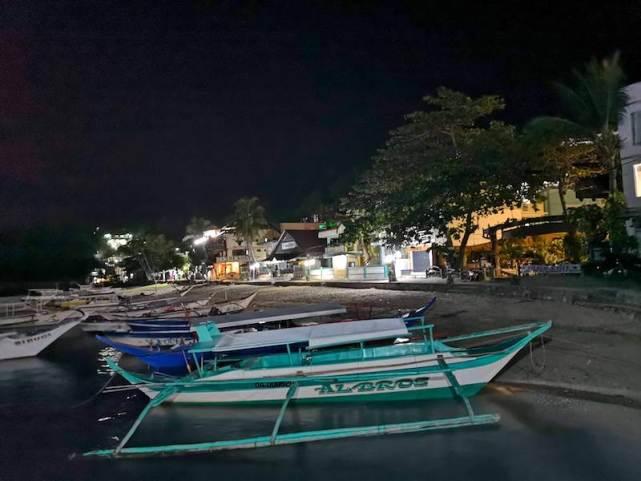 夜のサバンビーチ