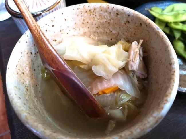 マニラのリトル東京の日本食レストラン「関取(Sekitori)」の食べ飲み放題メニューの鍋