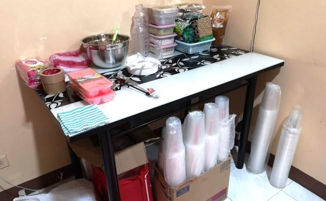 タピオカミルクティーを作る作業台