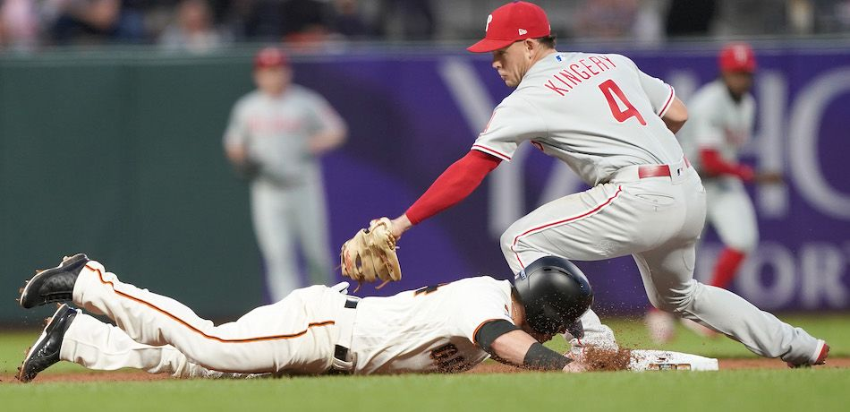 Scott Kingery tags Scooter Gennett.