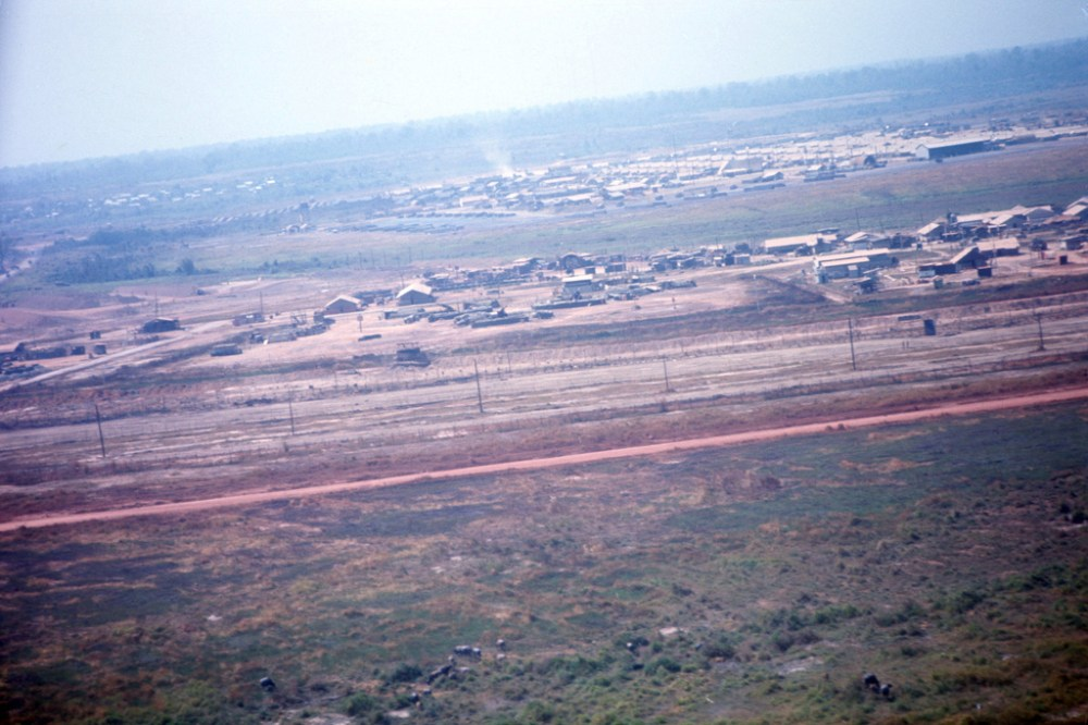 Phuoc Vinh Airfield (4/6)