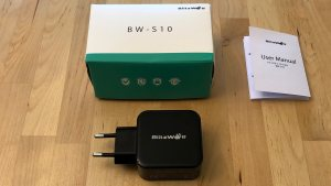 BlitzWolf BW-S10 30W USB PD box and contents