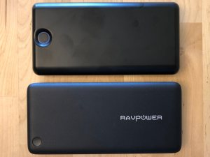 Top: Solice 20000 Type-C. Bottom: RAVPower Turbo 20100.