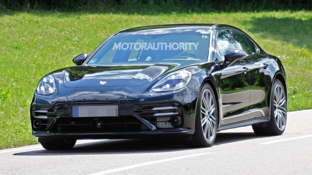 2021 Porsche Cayenne Images